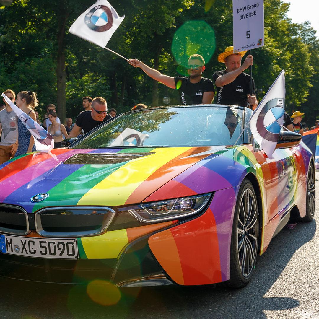 2018073019290283 - 数十万人在柏林参加CSD骄傲节