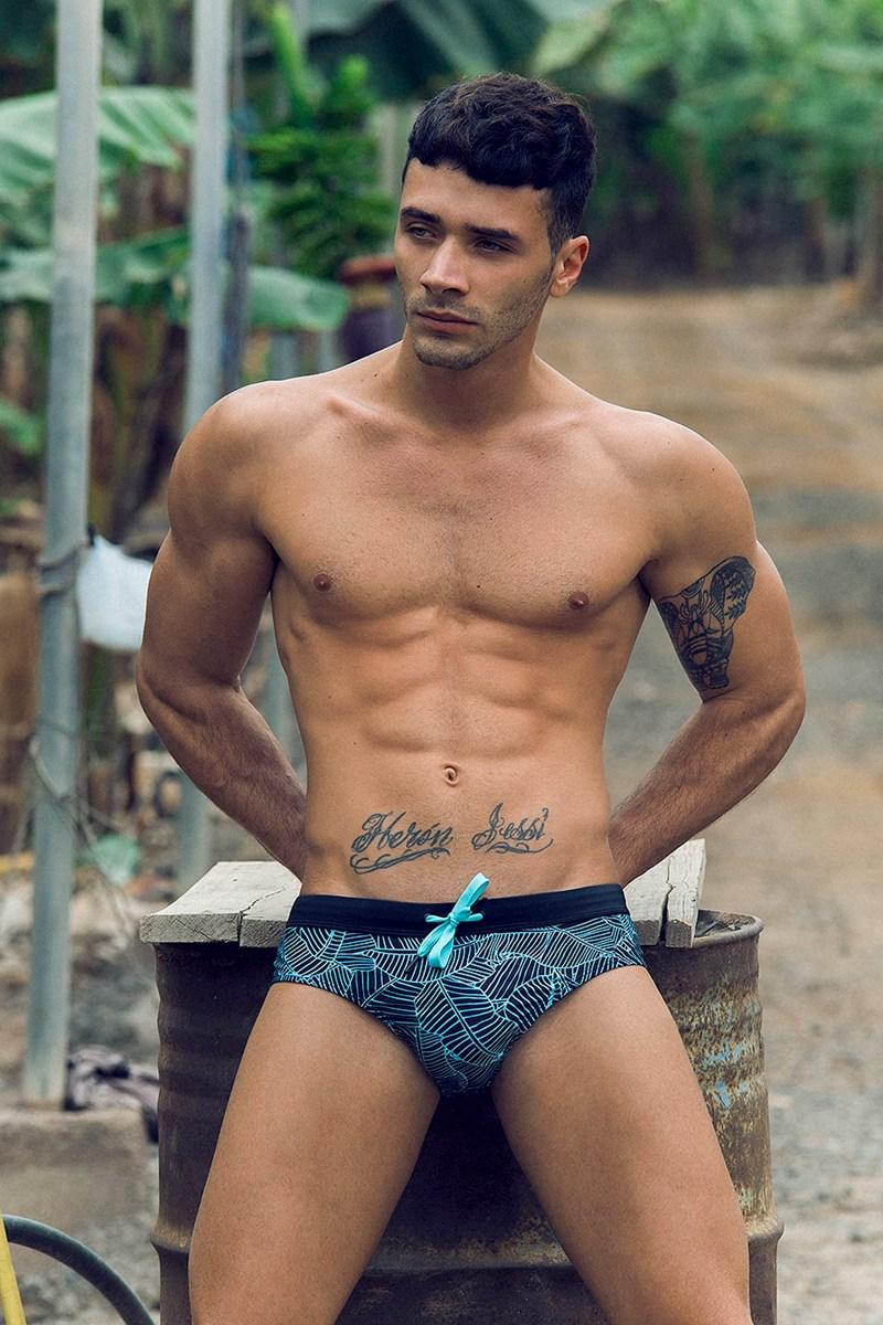 2018081302563689 - 加拿大肌肉男模特 Zeus Gonzalez / Adrian C. Martin摄影作品
