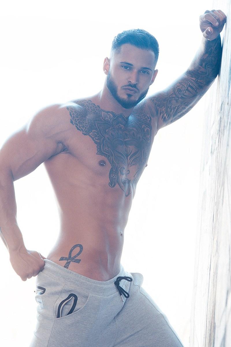 2018081602245264 - 欧美肌肉男Antonio Crispino / Adrian C. Martin摄影作品