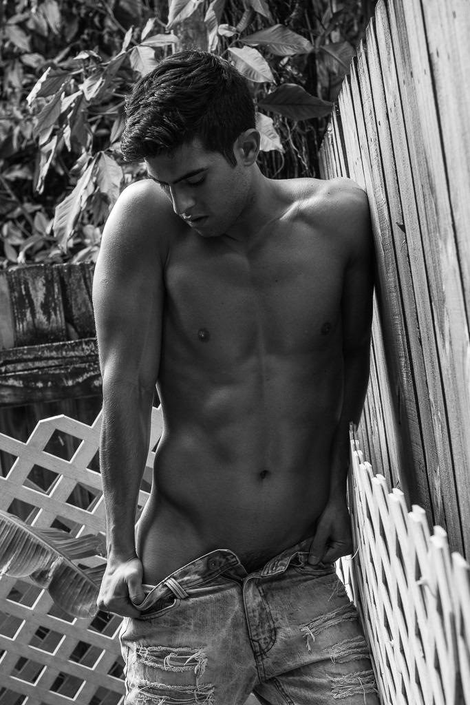 201808201154247 - 黑白巴西肌肉男模 Andre Brunelli / Leandro Enne摄影作品