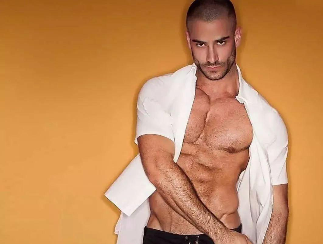 2018082109525978 - 国民老公级别西班牙男模:Jonathan Guijarro