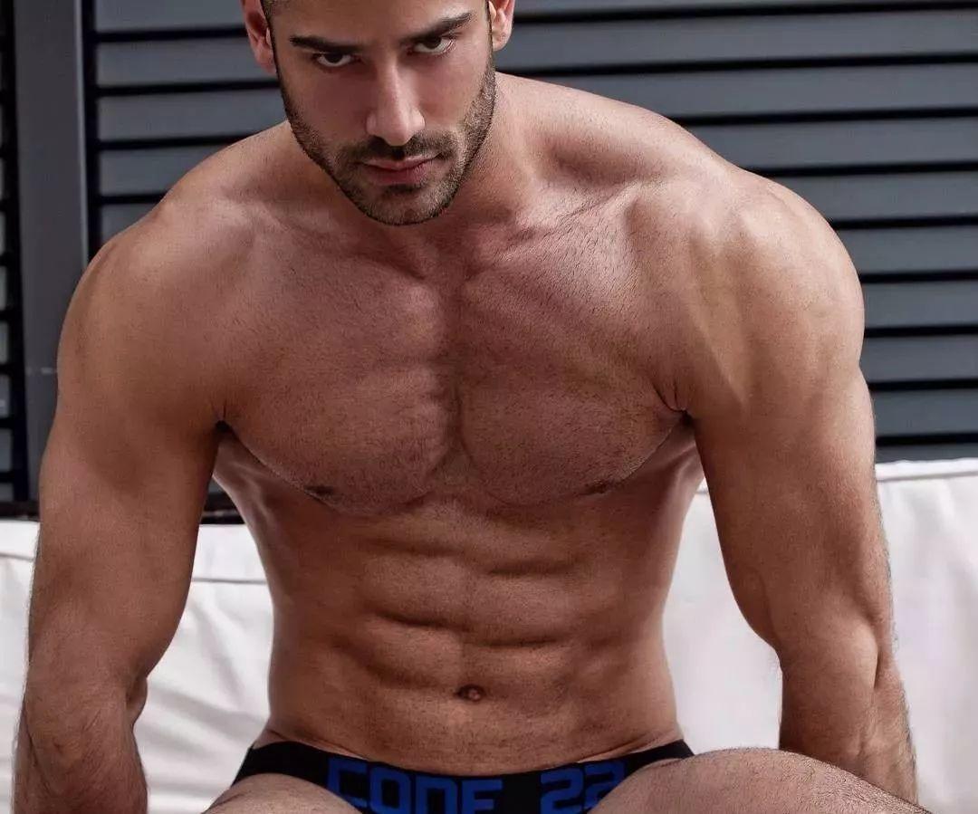 2018082109530574 - 国民老公级别西班牙男模:Jonathan Guijarro