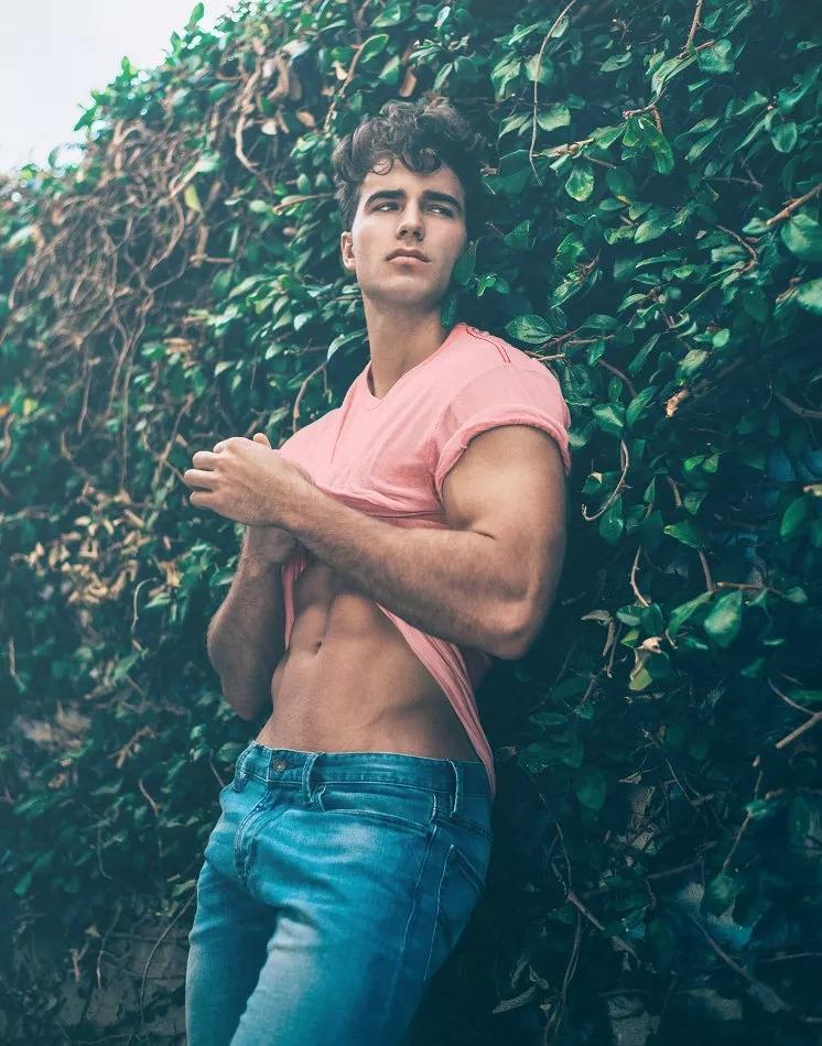 2018082905450248 - 爆红健身男孩Nic Palladino,他满足了我对青春的所有向往!
