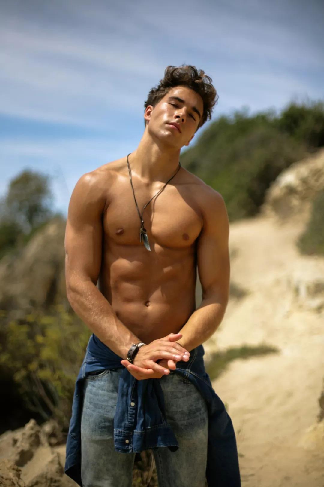 2018082905451281 - 爆红健身男孩Nic Palladino,他满足了我对青春的所有向往!