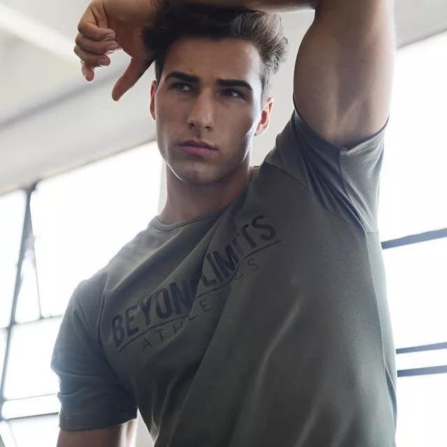 2018082905452520 - 爆红健身男孩Nic Palladino,他满足了我对青春的所有向往!