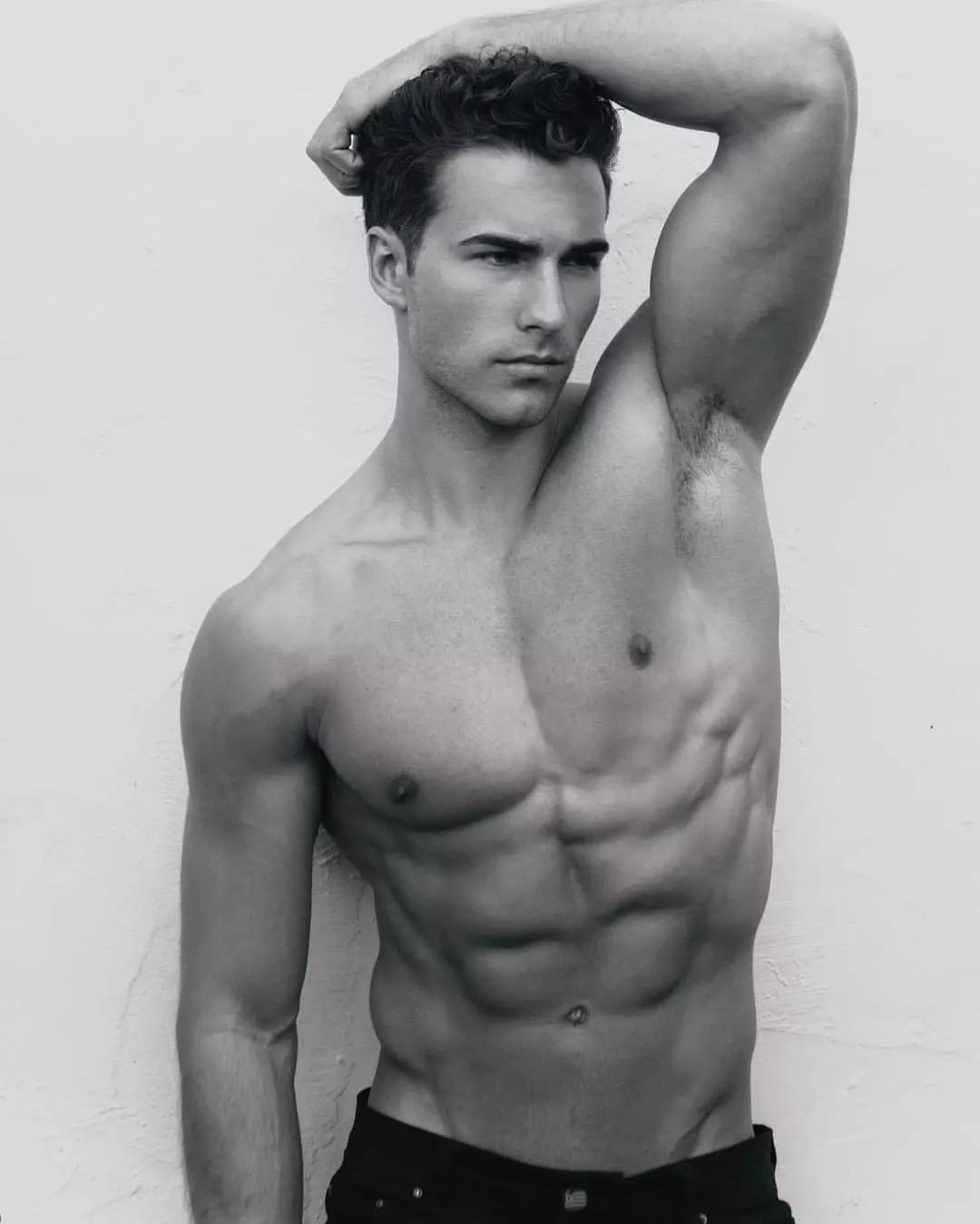 2018082905460319 - 爆红健身男孩Nic Palladino,他满足了我对青春的所有向往!