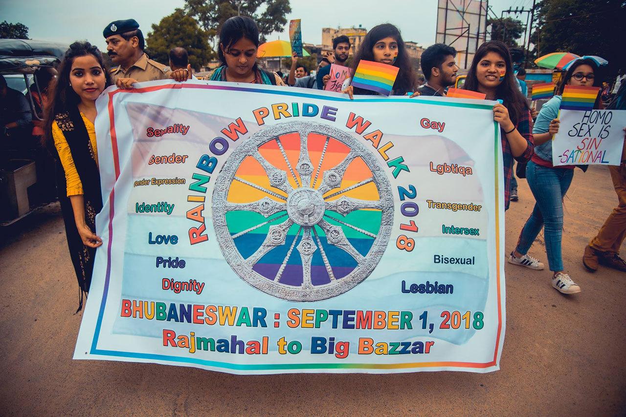 2018090503093583 - 印度这座两千年古城首次扬起彩虹旗