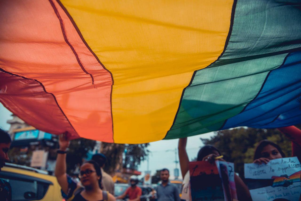 2018090503105841 - 印度这座两千年古城首次扬起彩虹旗