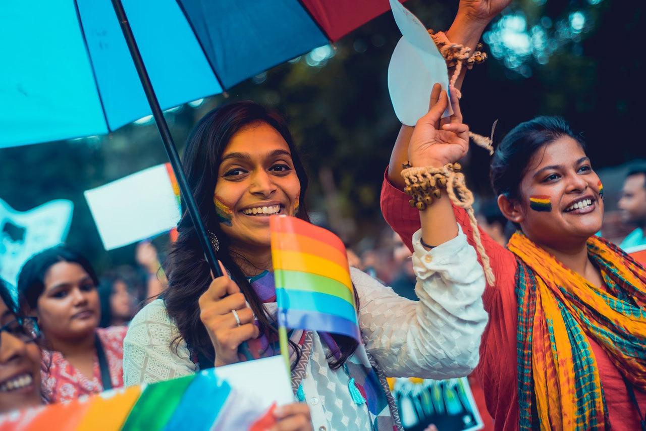 2018090503112237 - 印度这座两千年古城首次扬起彩虹旗