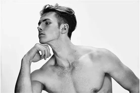 2018100210443134 - 在亚洲发展的哥伦比亚男模特 Edvinas Pètra