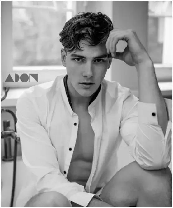 2018100210450284 - 在亚洲发展的哥伦比亚男模特 Edvinas Pètra