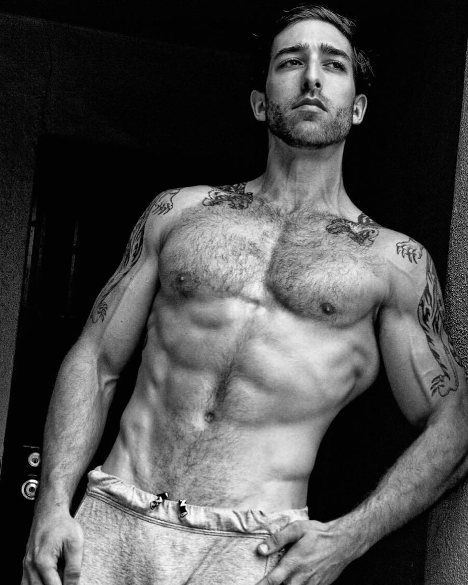 2018112915113674 - 大而不失和谐的美国男模Alex Macey / Armando Adajar摄影作品