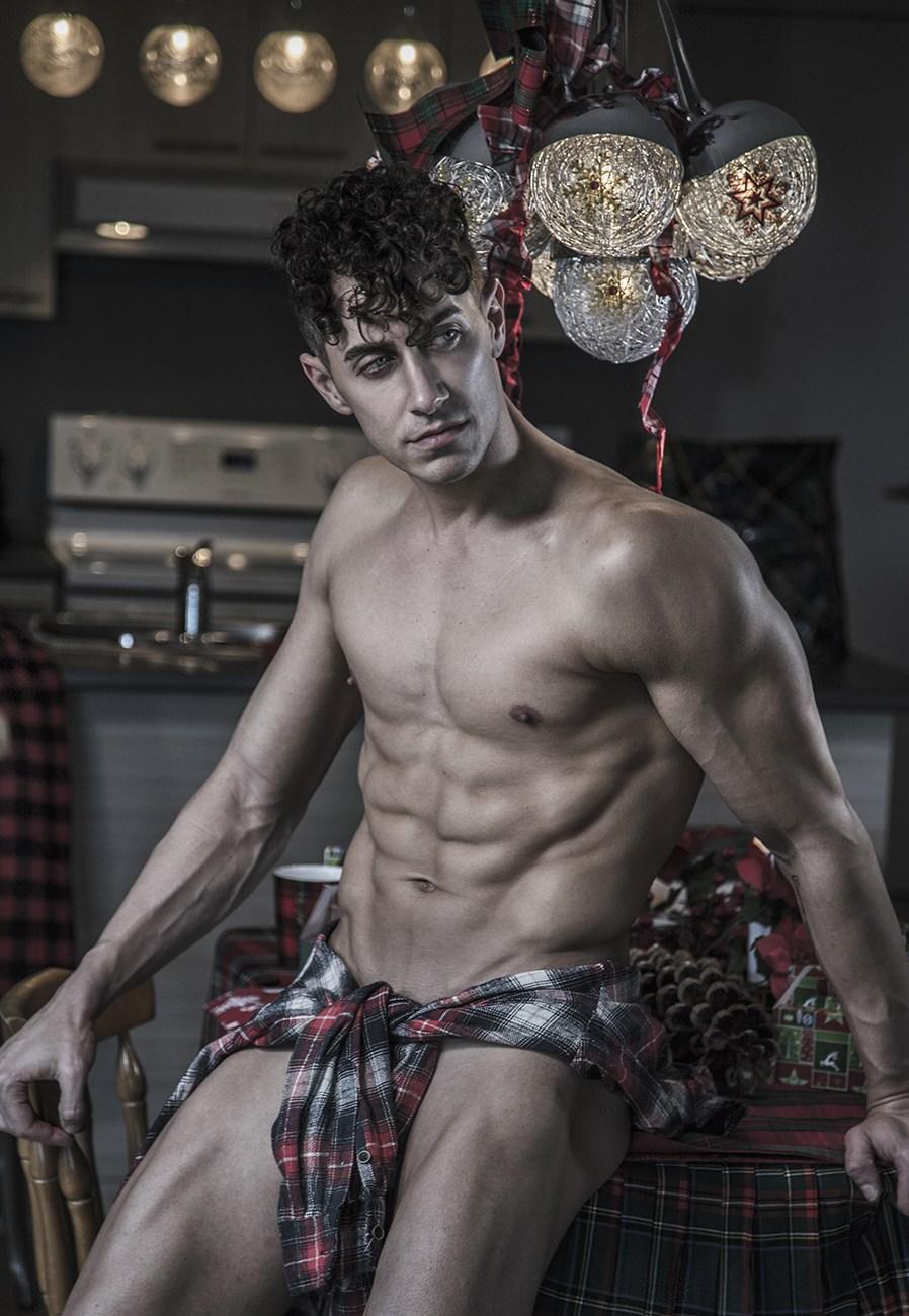 bed santa2018 reid kelly vincentchine10 9 12 - 欧美肌肉男模 Reed Kelly / Vincent Chine 摄影作品
