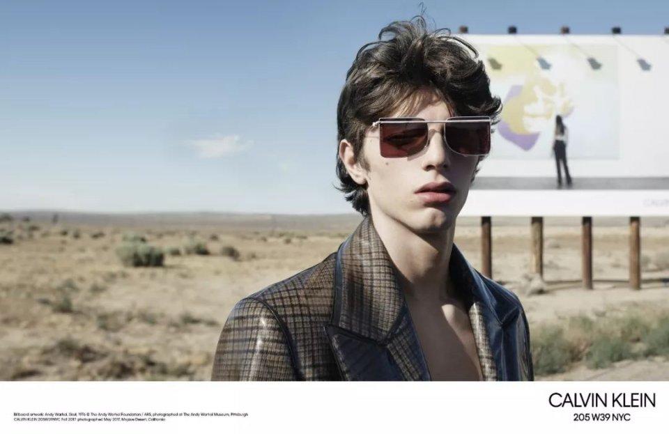 b450b2797ba6cbb7fd1f83e90634e6f6 3 - 萌德最新代言的Calvin Klein广告着实让你目瞪口呆!