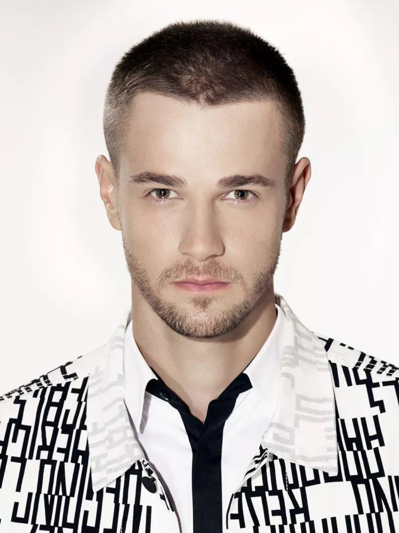 0966eb8249c745918aad17c99542a665 - 参加世界先生选美的波兰男模,身高一米九三又高又帅!