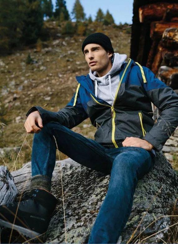 5e635c9161e343a4ab2259467587ff5d - 来自奥地利的男模Christoph Leitner成为了时装周的热门