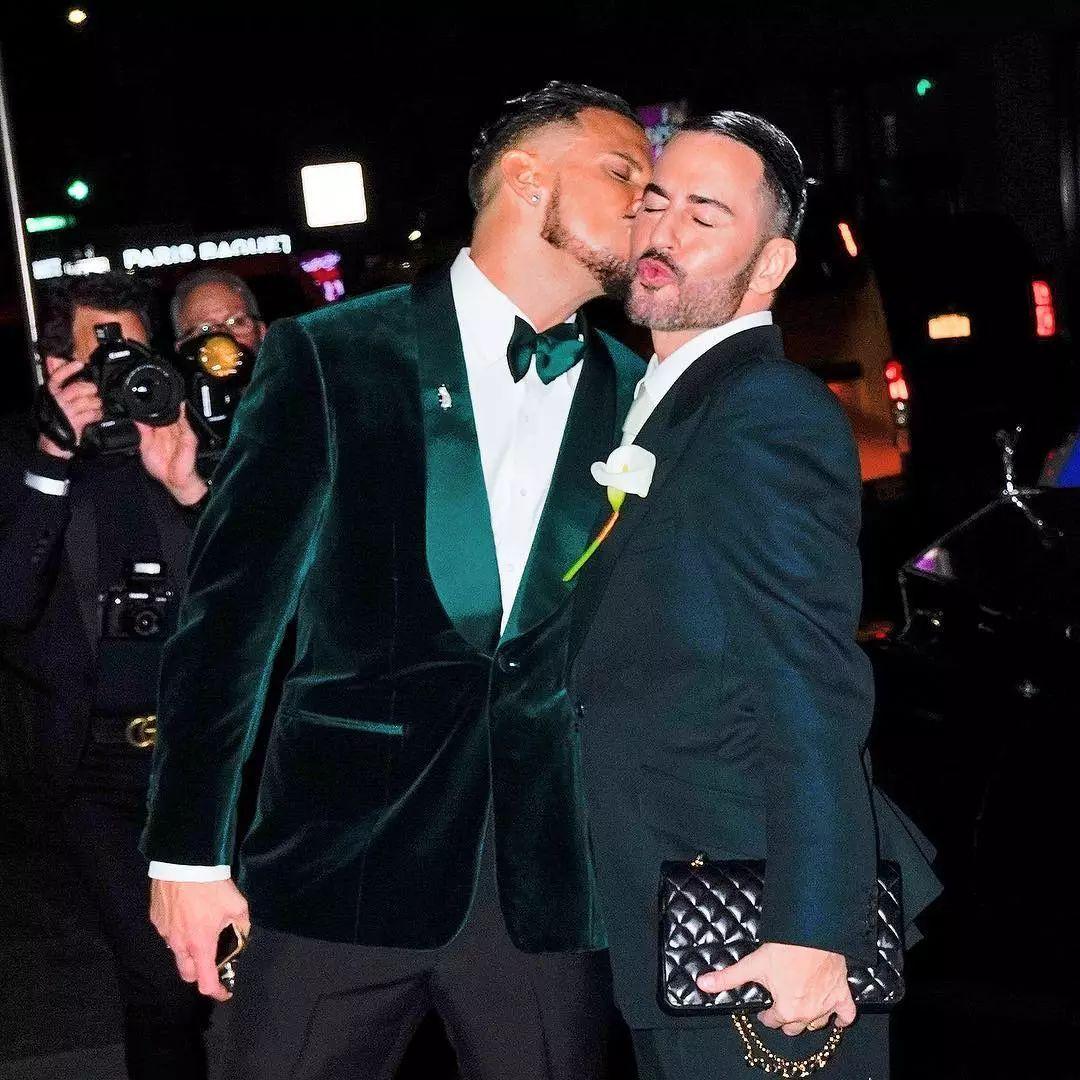 6cb3c49117ed45929682fd7f10f6be96 1 - 小马哥Marc Jacobs与男友举办婚礼,半个时尚圈都去捧场!