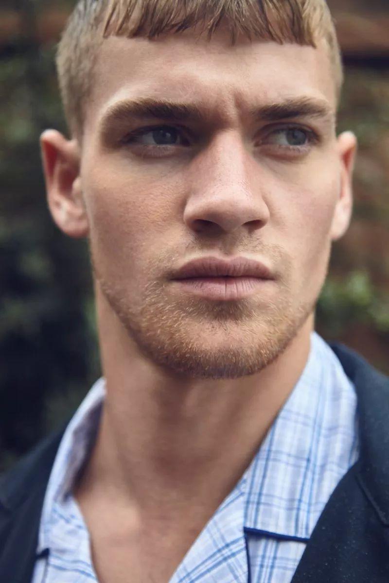 7980ec6cbf3d446a864237050cf60984 - 二十岁的肌肉系英国男模Matty Carrington,也太早熟了吧!