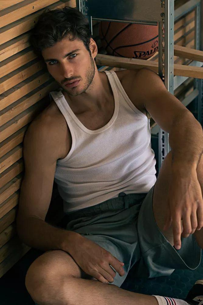 9163b87a087a4902bb0954dbed444034 - 来自奥地利的男模Christoph Leitner成为了时装周的热门