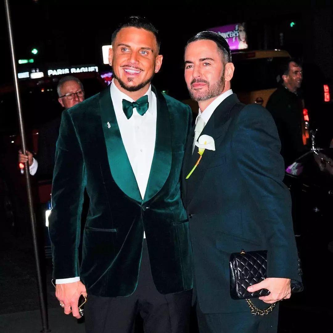 ab0a228d0cc4469e952fbc3546bca88b 1 - 小马哥Marc Jacobs与男友举办婚礼,半个时尚圈都去捧场!