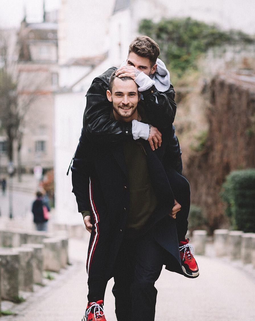 1556700894 6589b70egy1g2l1stifuxj20ow0v8q5n - 甜蜜蜜!法国巴黎时尚圈出现了一对男模恋人