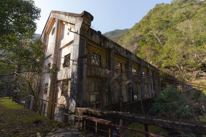 9d0d09abgy1ft1cd4jt8wj20xc0m7jyg - 日本一废弃发电站有不一样的景色:美