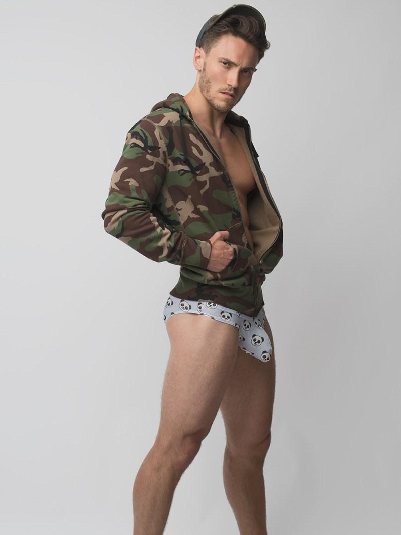 1562035982 IMGP6289s - 来自美国纽约的肌肉男模 Alec Varcas / Jade Young摄影作品