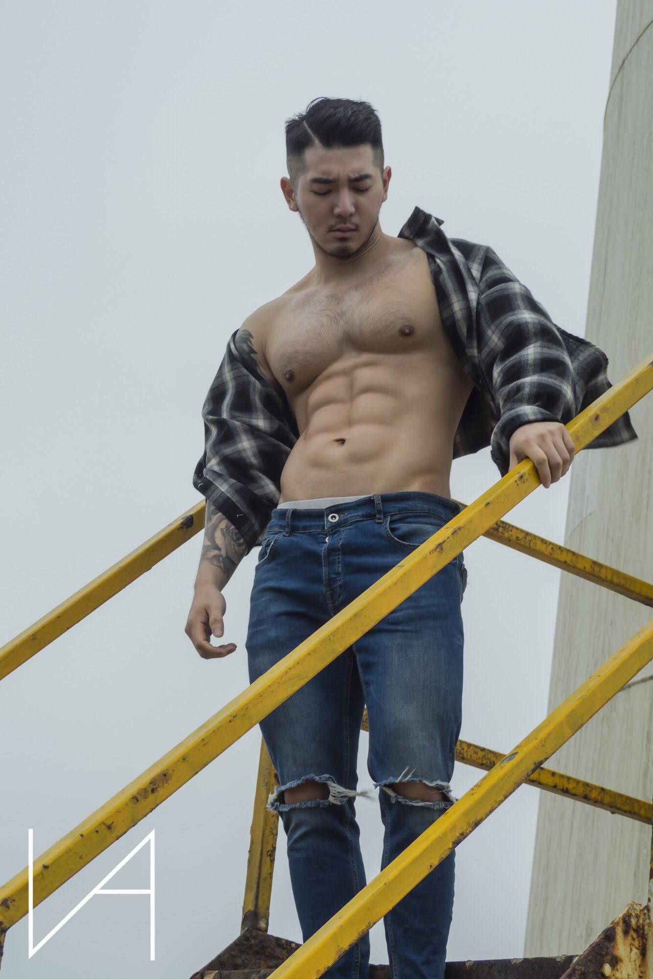 1587699222 ETmlkgrUcAAUNeK - 台湾私人健身教练 刘恭良 写真集