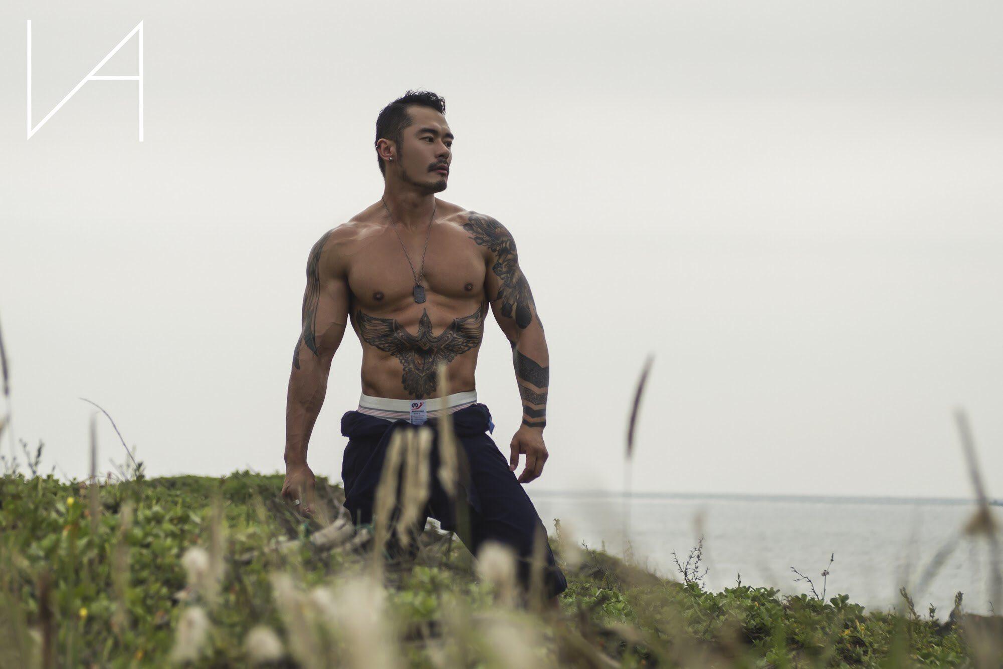 EXdvOtmUwAE9kpI - Titan 男模 失落沙洲 摄影 好帅好阳刚好喜欢!